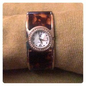 🎉HOST PICK🎉ladies tortoise shell bracelet watch